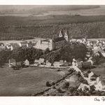 Ortsansicht von Nordosten; Luftaufnahme zwischen 1935 und 1945 entstanden; ungelaufen